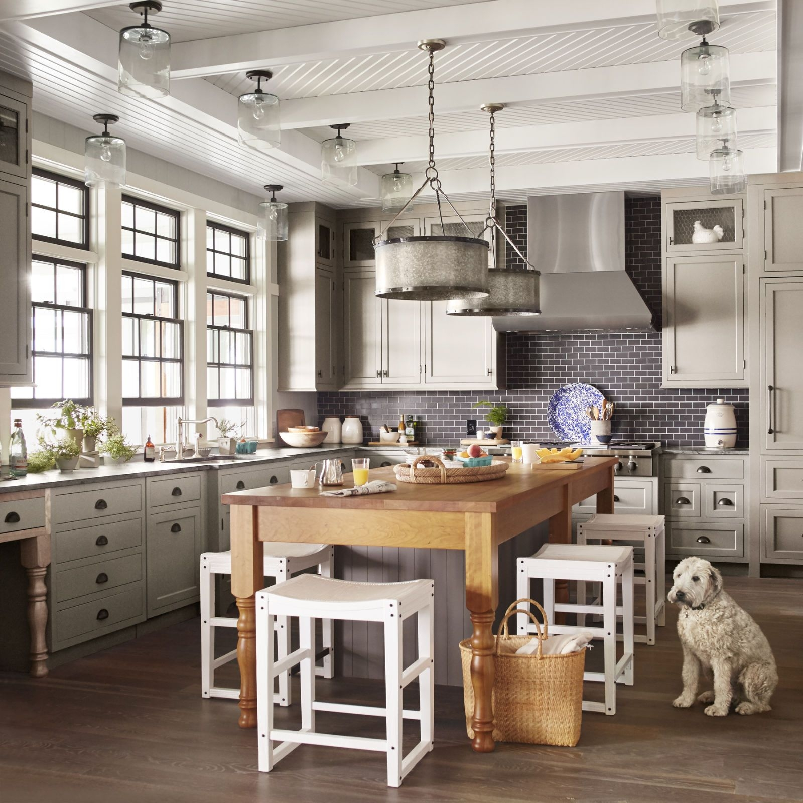 10 essential rules for decorating a lake house kitchen house