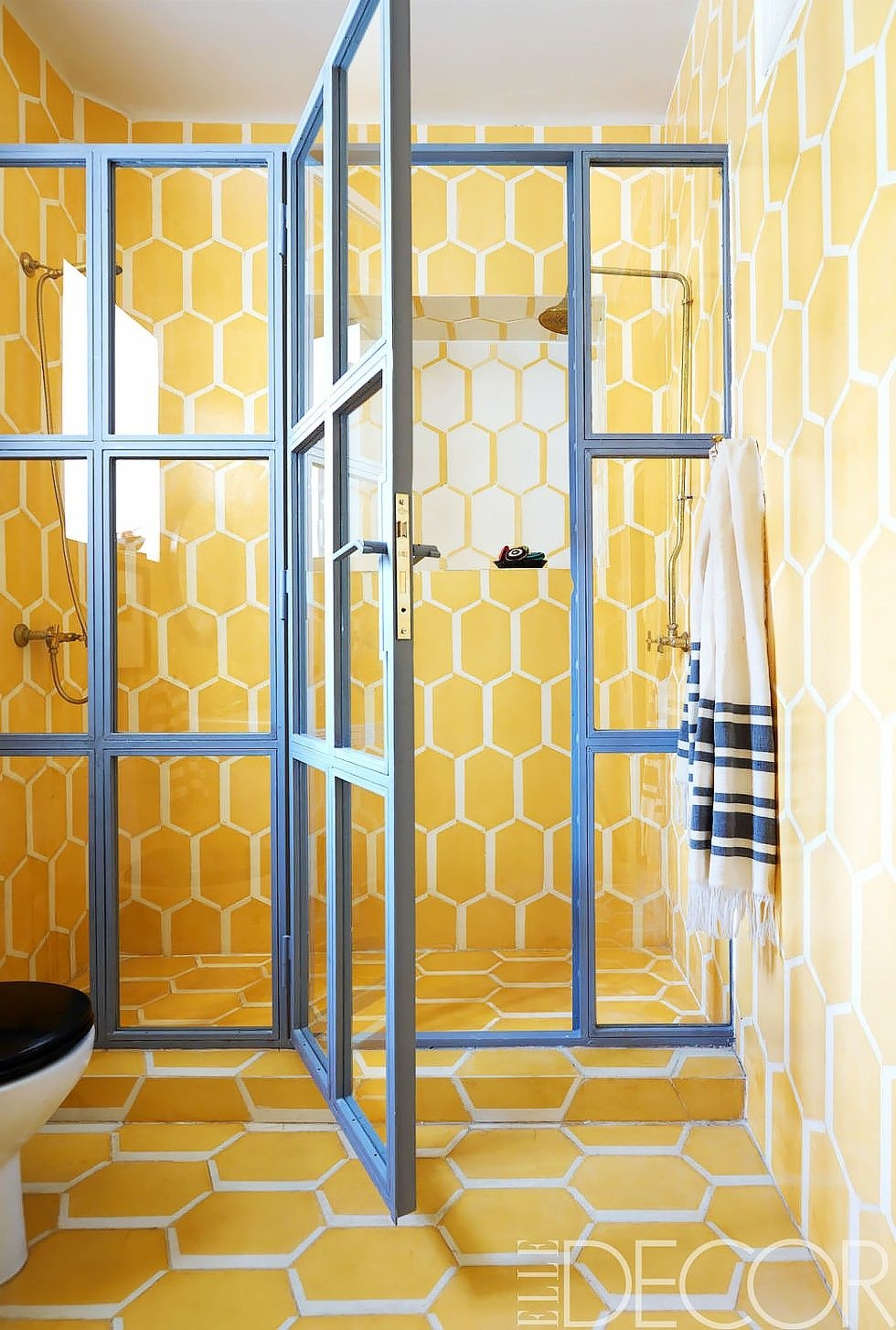 15 tiny bathrooms with major chic factor bathrooms noelle becker