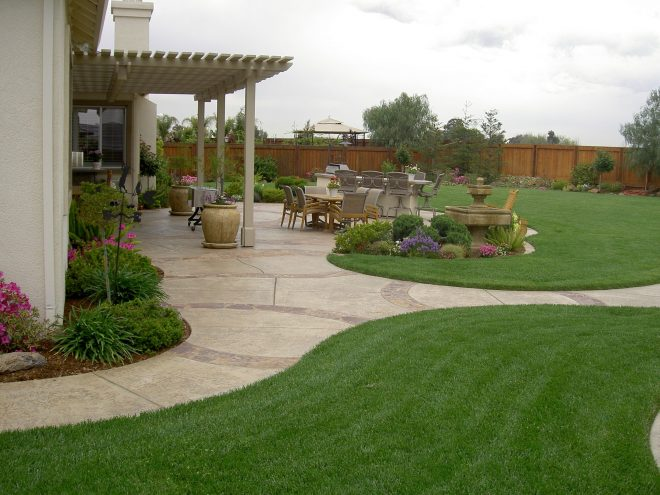 20 awesome landscaping ideas for your backyard gardens