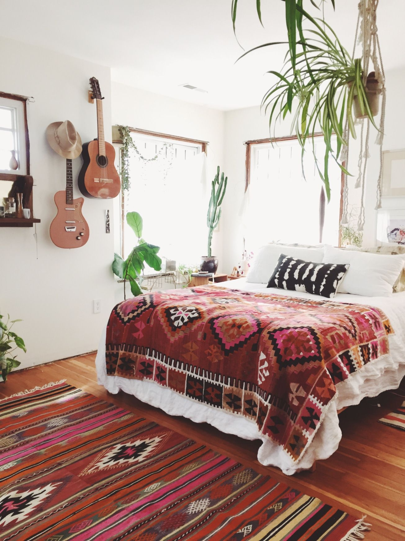 26 bohemian bedrooms thatll make you want to redecorate asap home