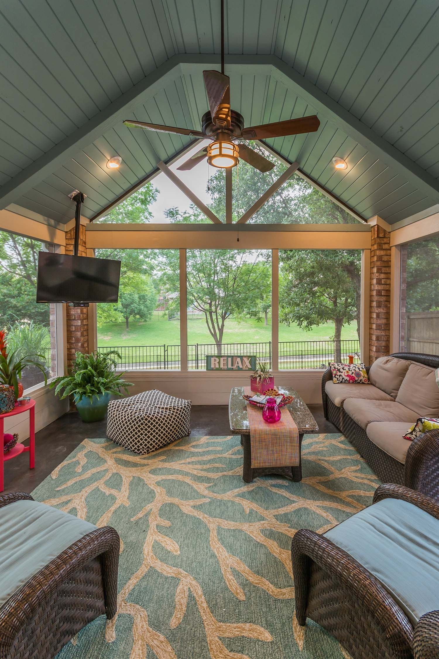38 amazingly cozy and relaxing screened porch design ideas screen