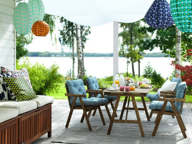 a lesson in coastal style modern outdoor living