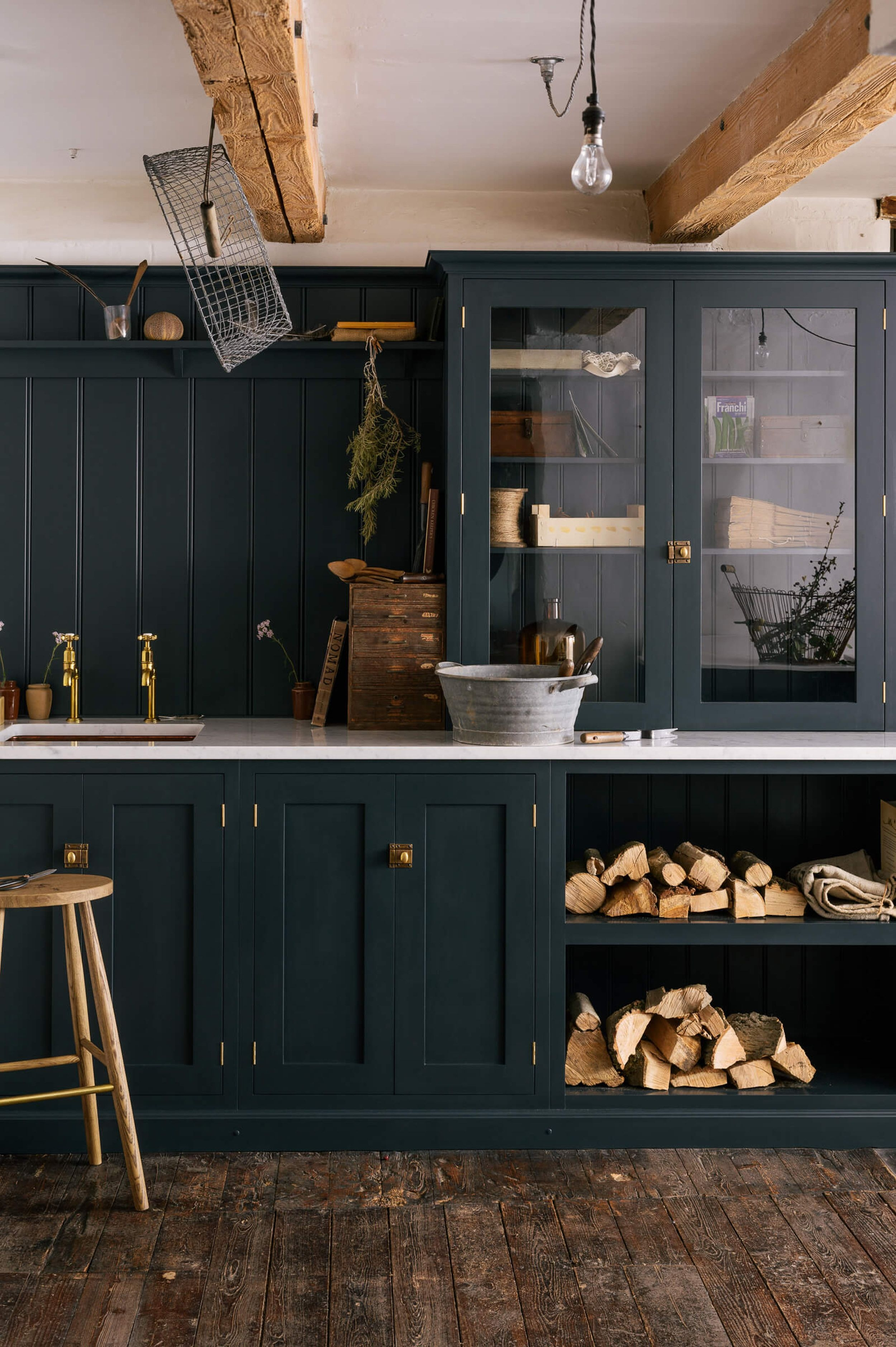 an intro to the modern traditional style kitchen design