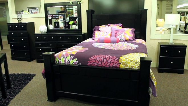 ashley shay poster bed