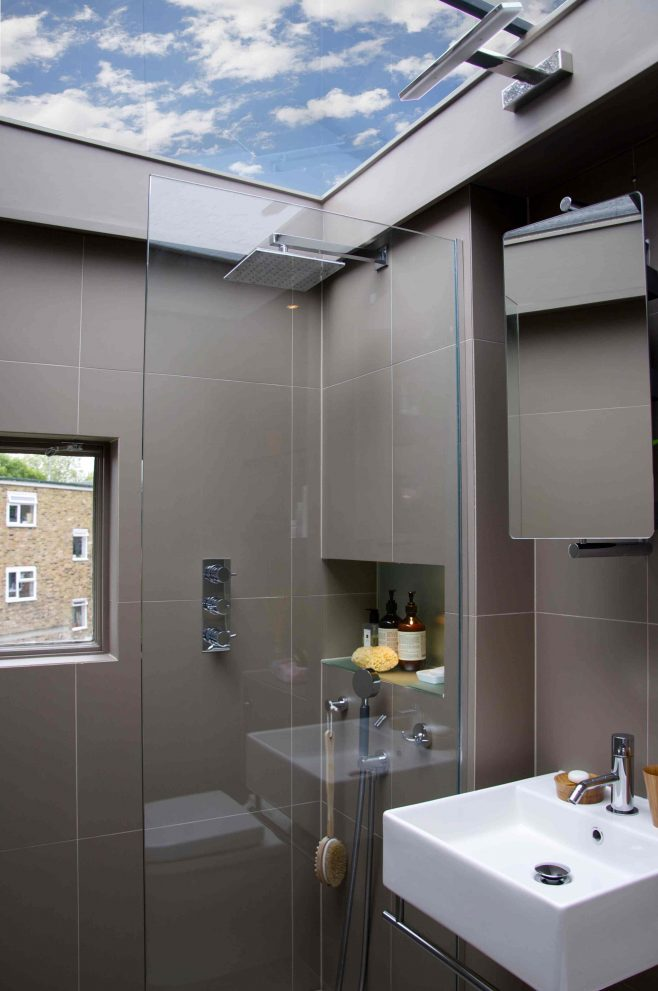bathroom in a box with glass roof casas