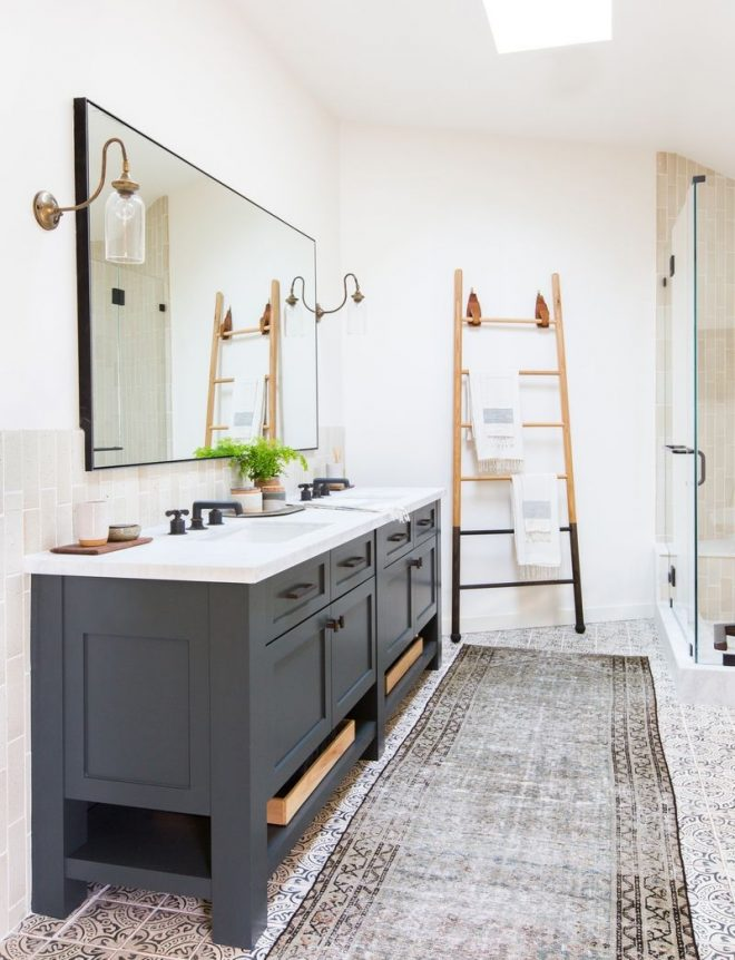 bathroom inspiration ladder mirror rug image via