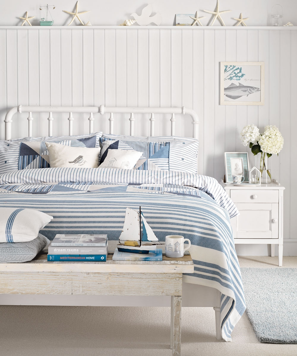 beach themed bedrooms coastal bedrooms nautical bedrooms