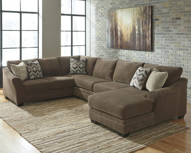 benchcraft justyna contemporary 3 piece sectional with right chaise