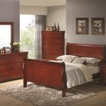 cherry sleigh bedroom set
