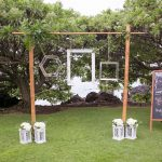 chic and easy photo booth idea for an outdoor wedding