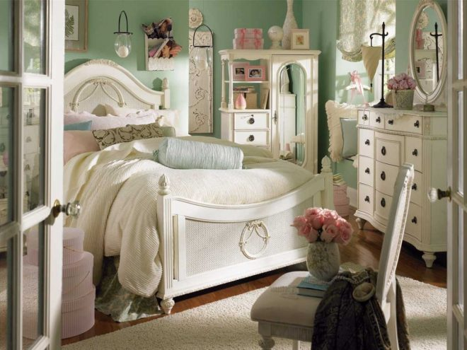 classic and casual bedroom design in luxury nuance decorating ideas