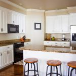 do it yourself divas diy how to paint kitchen cabinets like