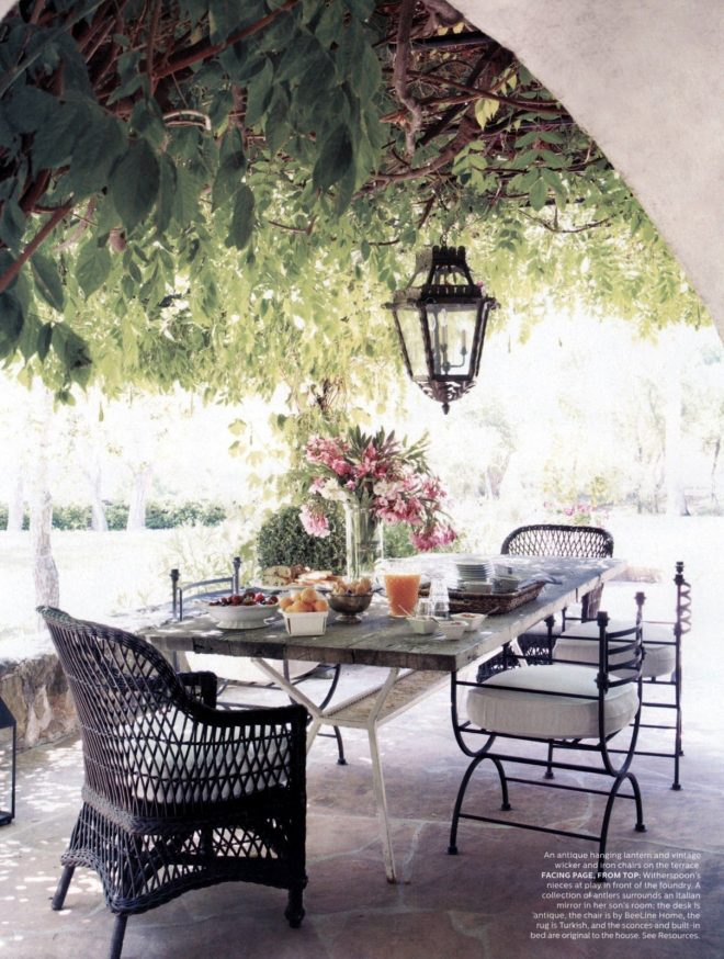 elle decor september 2012 reese witherspoons home outdoor