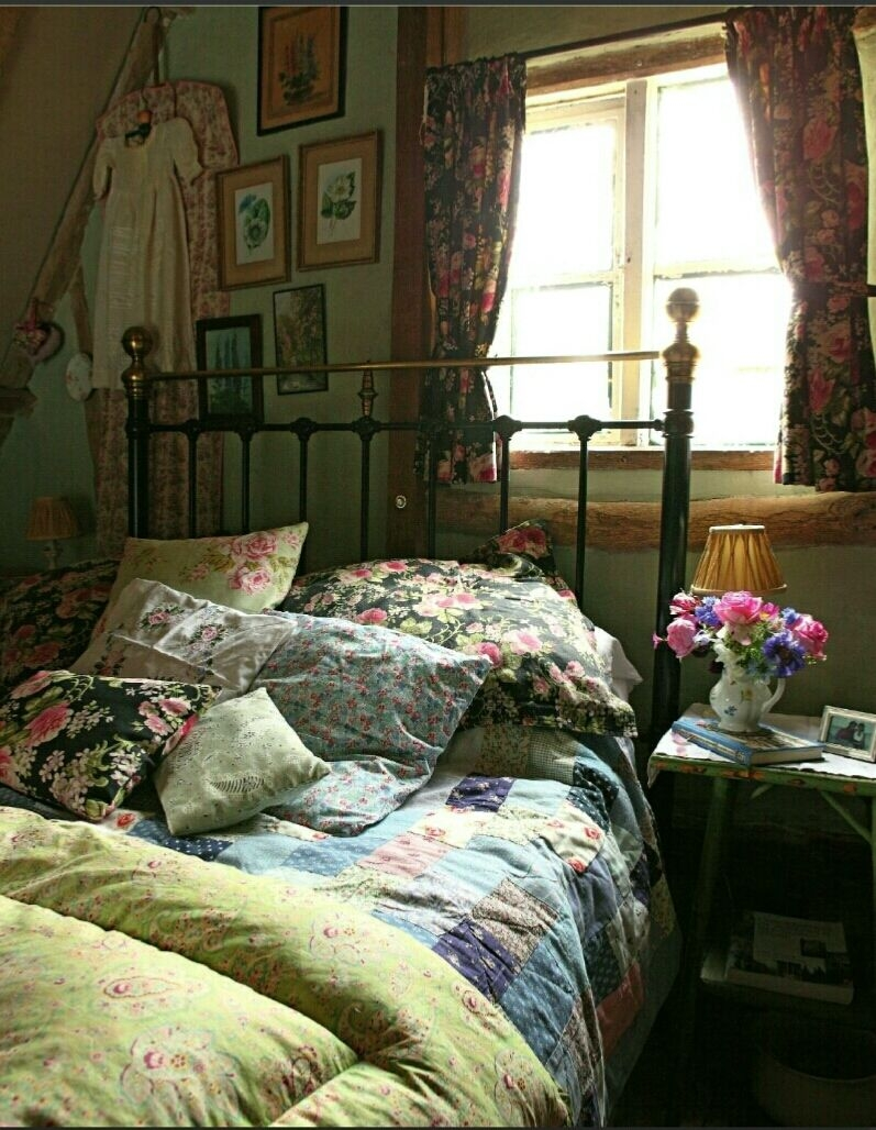 english country cottage bedroom decor vintage bedroom