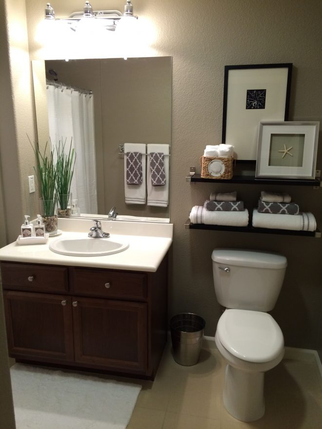 guest bath paint color is taupe tone sherwin williams