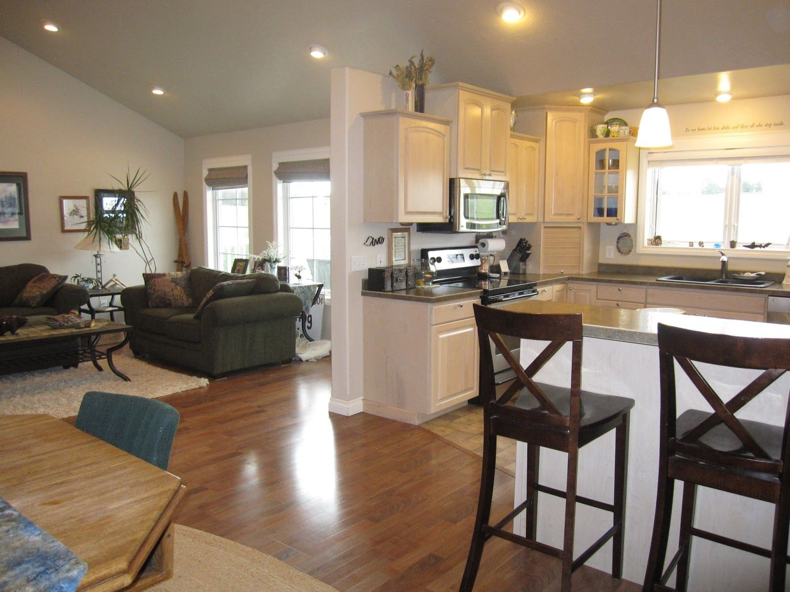 Flooring Ideas For Kitchen And Living Room – Opnodes