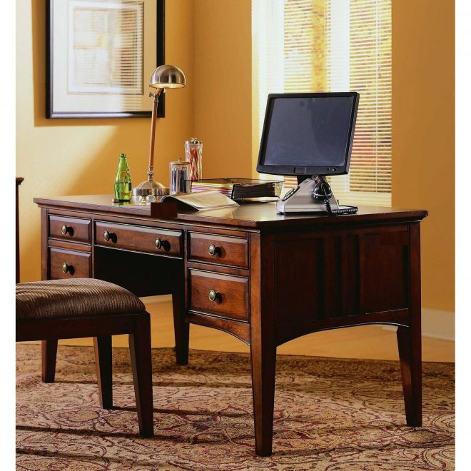 hooker furniture 436 10 158 60 wide hardwood writing desk dark cherry