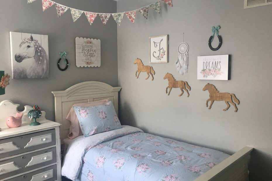 horse room toddler bedroom big girl bedroom horse decor