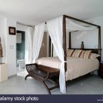 how to make a four poster bed sistem as corpecol
