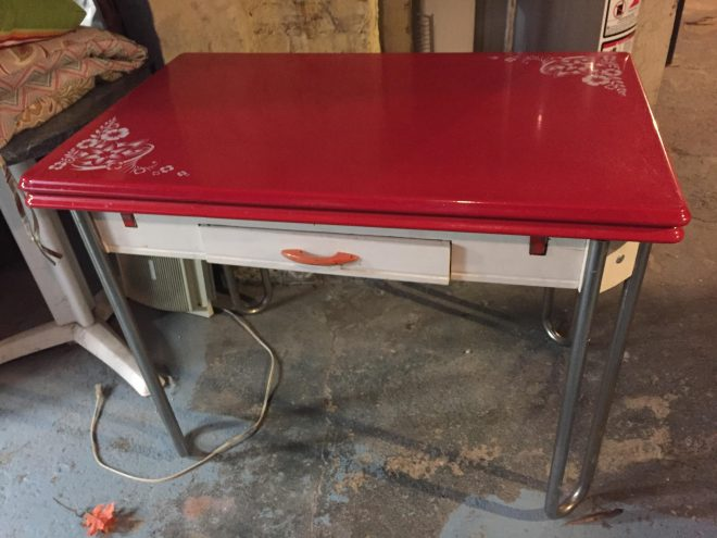 i was given this retro metal kitchen table for christmas my