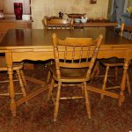 lot 89 vintage maple dining room table with built in