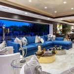 luxury beautiful white and blue living room decor with blue