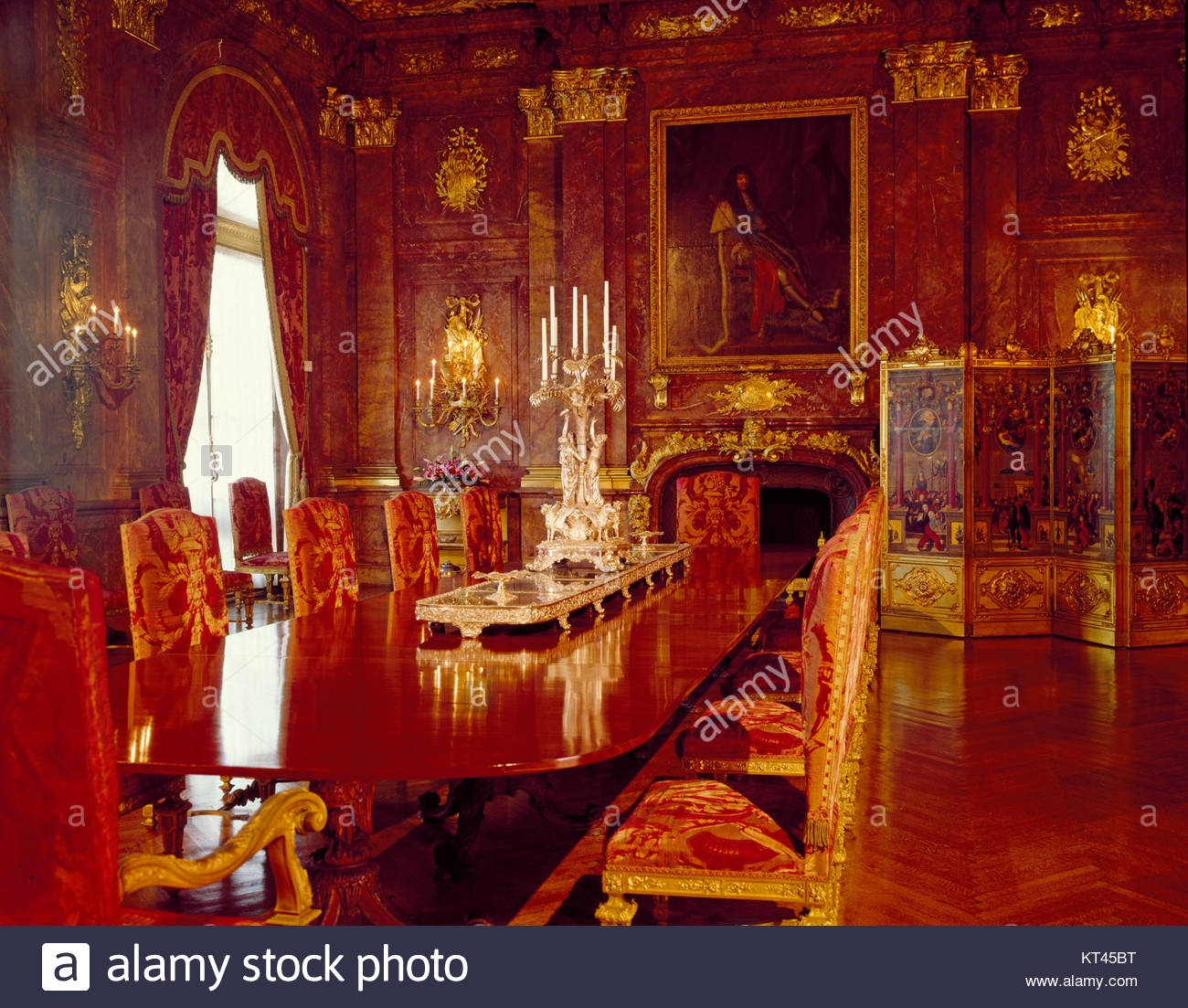 marble house in newport dining room 01 stock photo 169737116 alamy