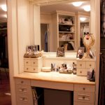 master walk in closet make up table maquiagem maquiando