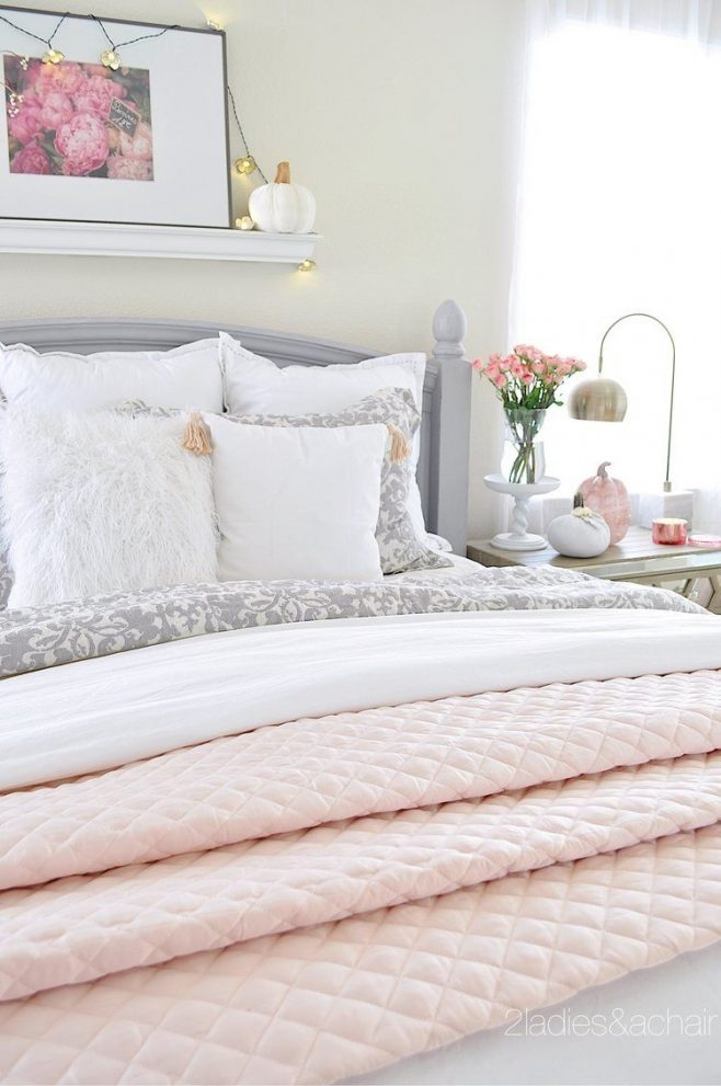 oct 24 simple cozy fall decorating ideas for the bedroom chelle10