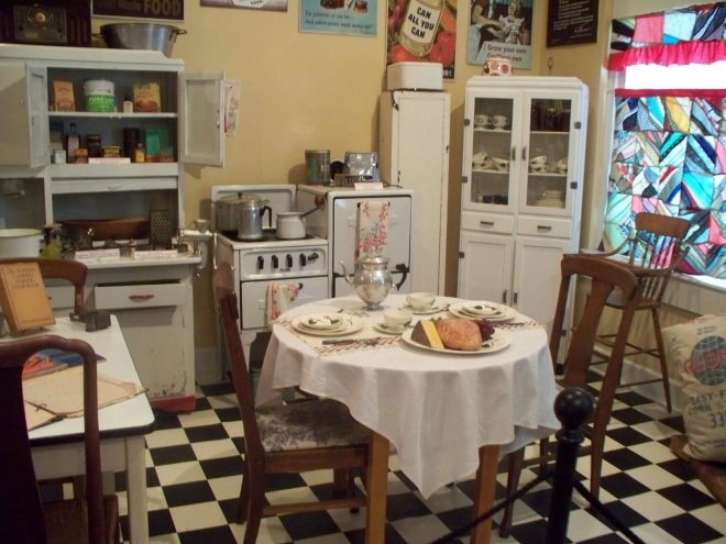 red and white 1940s style kitchen design the homeowner