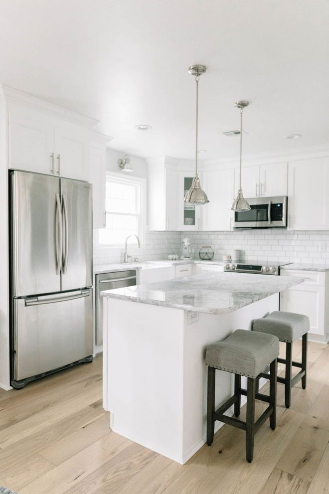 renovating an 80s style kitchen into a bright light dream home