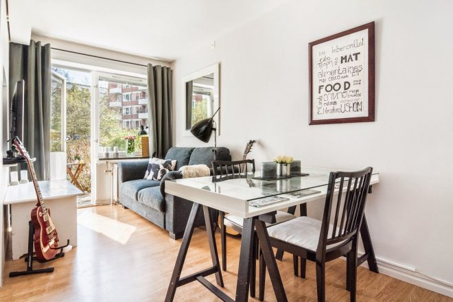 sunny tiny ground floor apartment with complementary outdoor