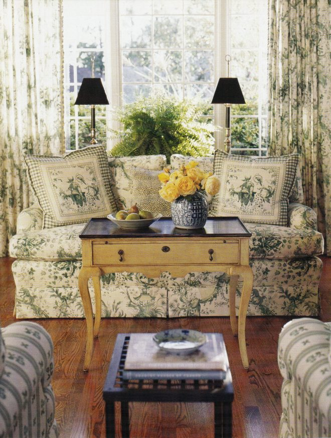 this english country style sitting room uses green toile a