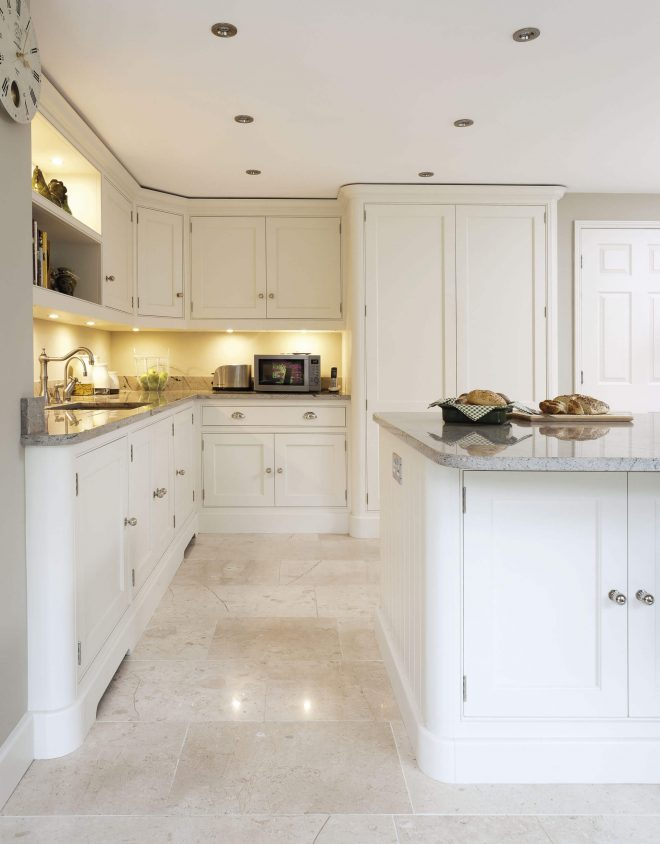 traditional white kitchen tom howley